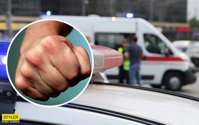 Водитель такси жестоко избил пассажира в Киеве: люди снимаются на камеру (видео)