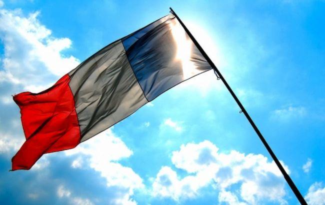 Франция будет выдавать спецразрешения на въезд иностранцам