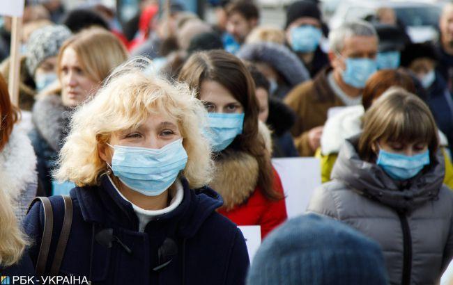 В Україні число нових випадків COVID-19 скорочується третій день поспіль