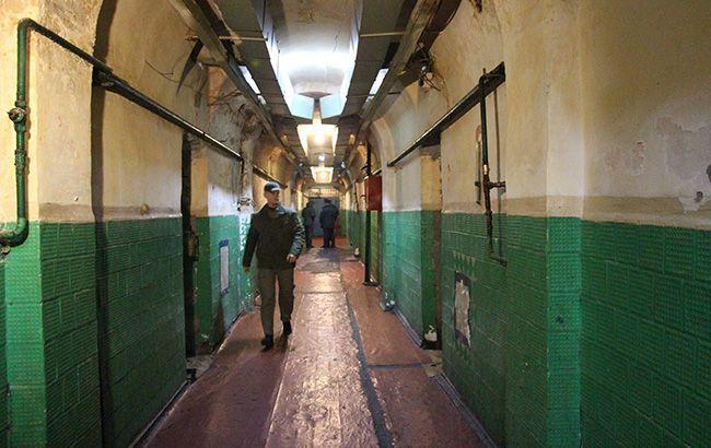 В Черновицкой области произошел бунт из-за заключенного с COVID-19