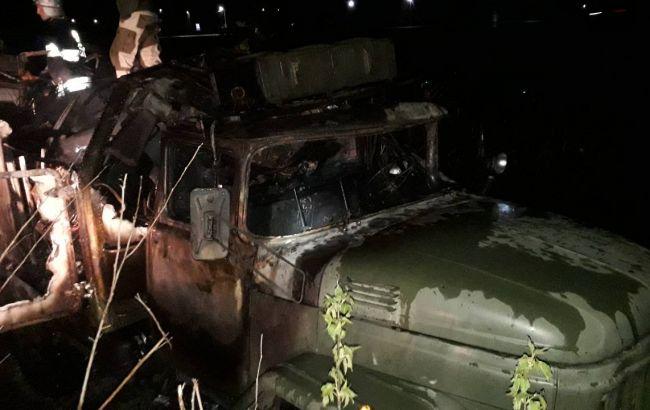 Названа причина возгорания и имя погибшего при пожаре грузовика Минобороны