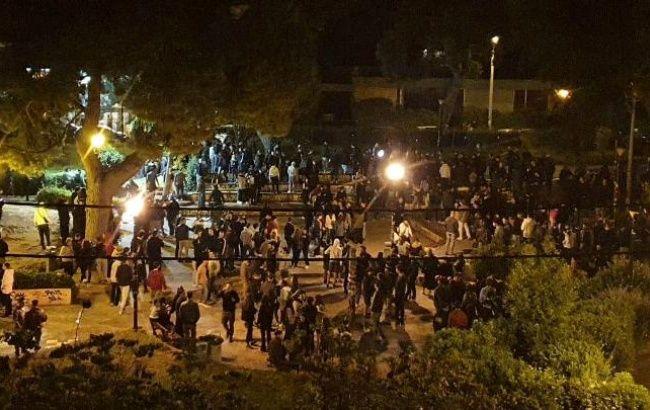 В Греции произошли столкновения из-за массового нарушения карантина