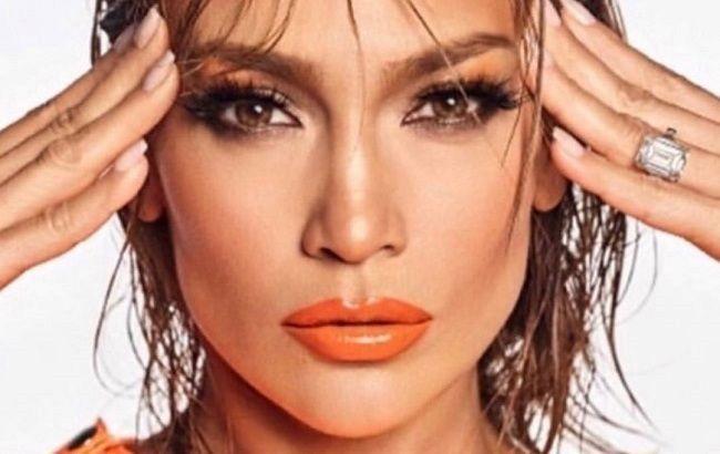 Занадто красива: Дженніфер Лопес блищить в стильному образі і з новою зачіскою
