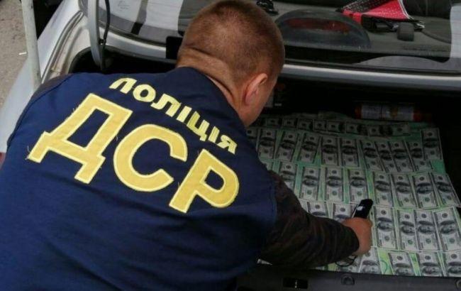 У Кіровоградській області на хабарі в 14 тисяч доларів упіймали сільського голову