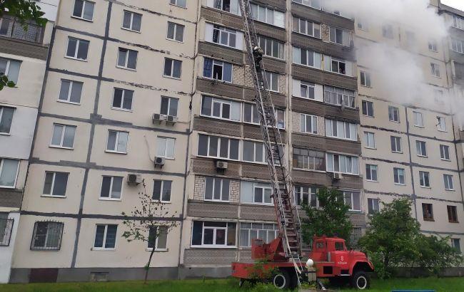 В Хмельницкой области произошел пожар в многоэтажке, эвакуировали 6 человек