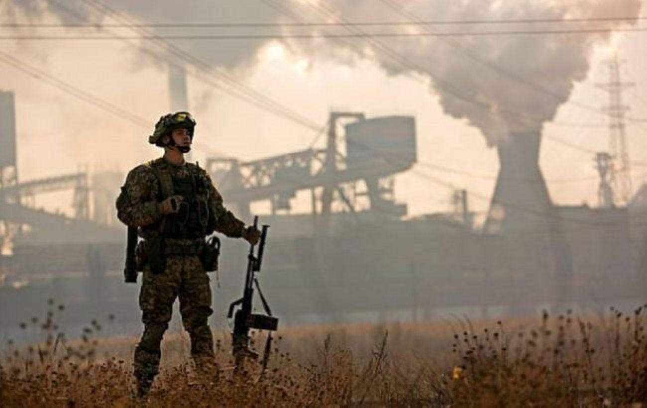 Боевики на Донбассе ранили двоих украинских военных