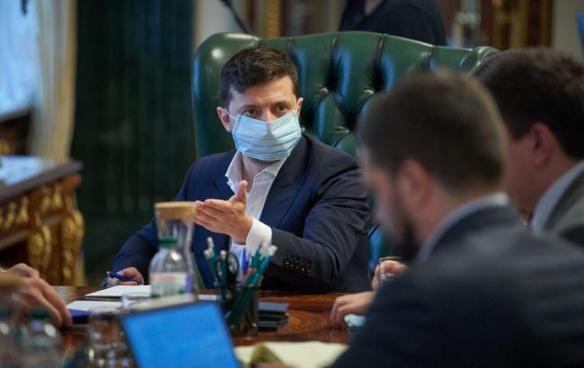 Мы пока не можем разрешить массовые мероприятия из-за коронавируса, - Зеленский