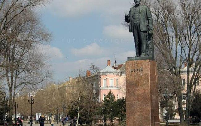 Фото: пам'ятник Леніну в Бердянську