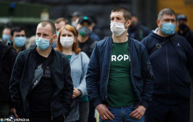 В Украине за сутки 800 новых случаев COVID-19