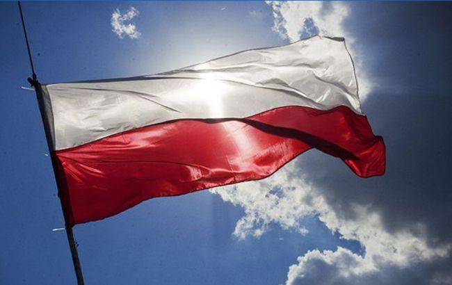 У Польщі з понеділка послаблять карантин
