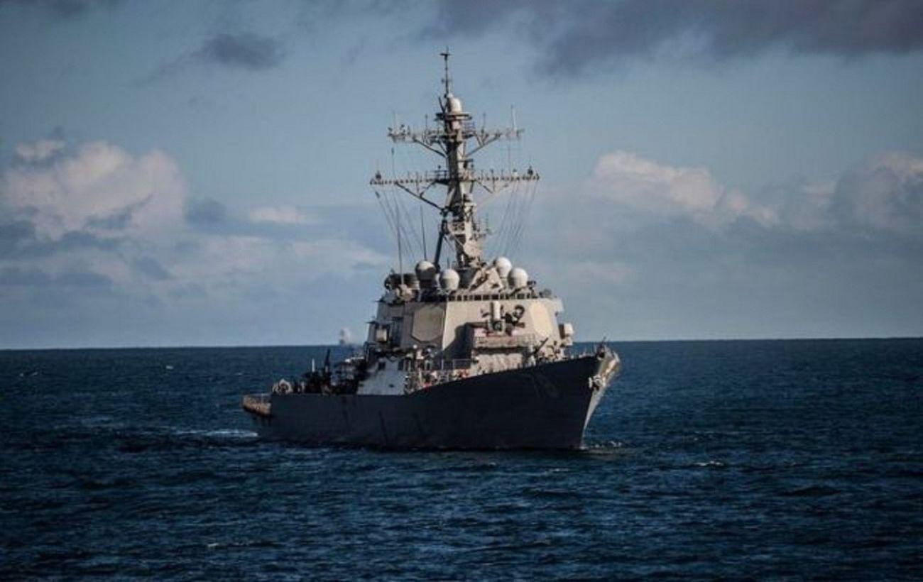 Корабль США сделал десятки предупредительных выстрелов из-за маневров кораблей Ирана
