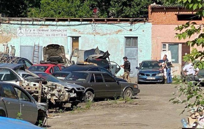 Полтавский автоугонщик с заложником едет в сторону Киева