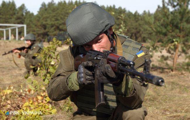 Боевики на Донбассе 8 раз обстреляли позиции ООС, применяли запрещенные минометы