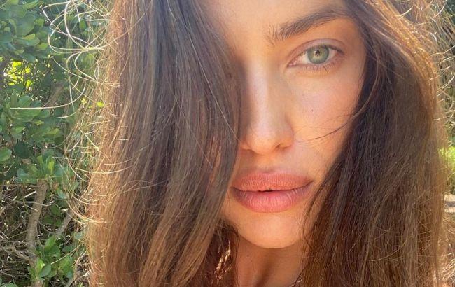 Эталон красоты: Ирина Шейк в пикантном белье вскружила головы фанатам