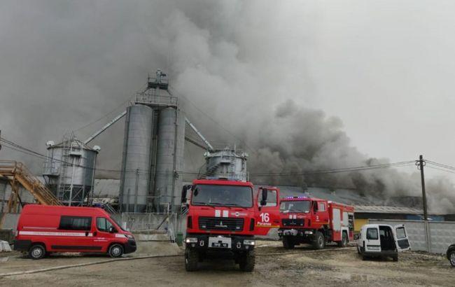 В Івано-Франківській області сталась масштабна пожежа на підприємстві