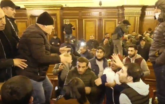 У Єревані почалися протести після домовленостей про перемир'я в Карабасі