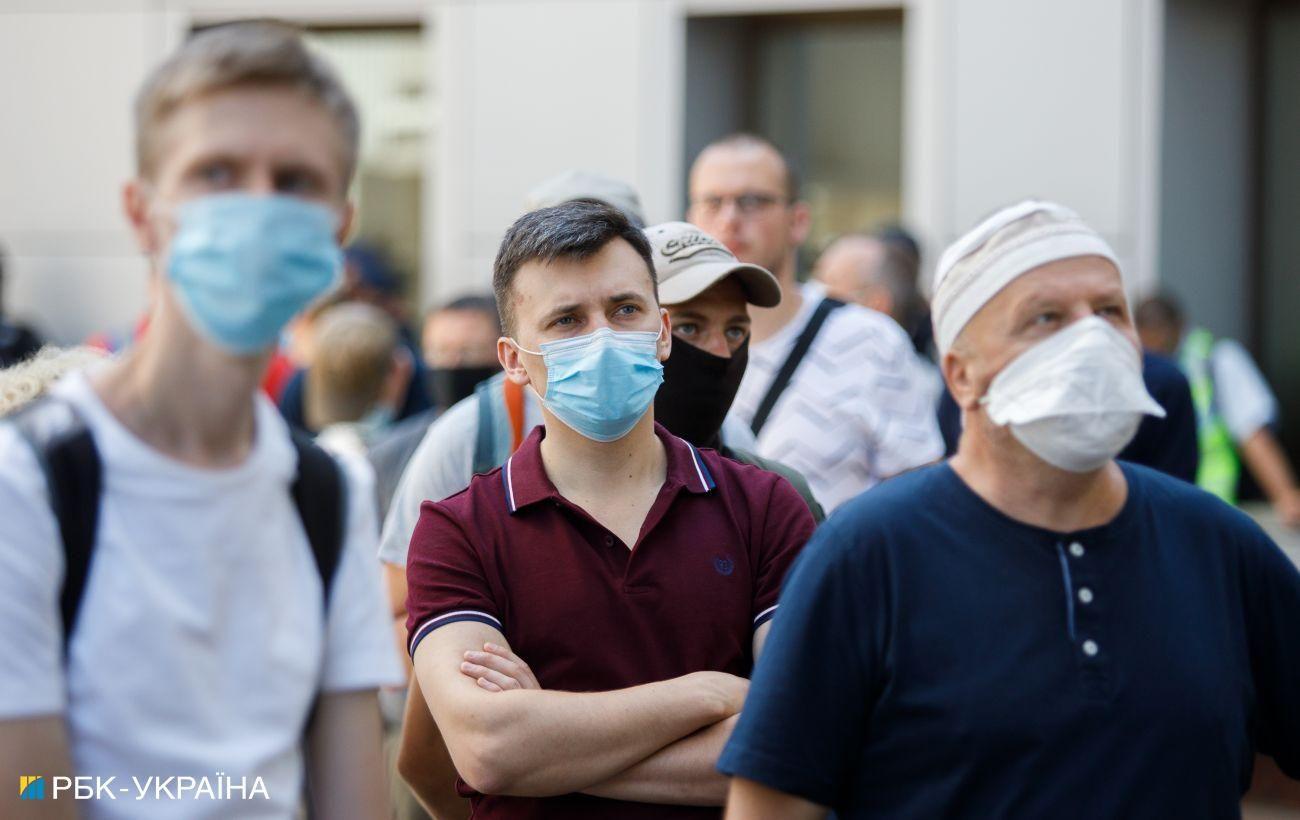 В Украине за сутки подтвердили 2966 новых случаев COVID-19