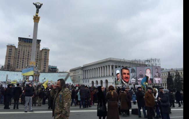 У центрі Києва припаркувалися машини Нацгвардії