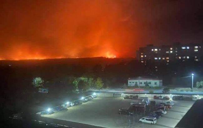 Пожежі в Луганській області: три людини загинули, вогонь добрався до хімзаводу