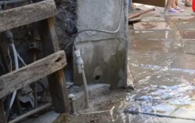 В Алушті житловий будинок затопило нечистотами