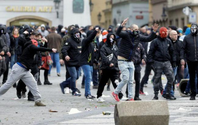 Заворушення на акції проти карантину в Празі: поліція затримала понад 150 осіб