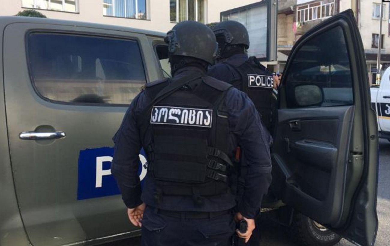 В Грузии освободили 43 заложника из захваченного банка