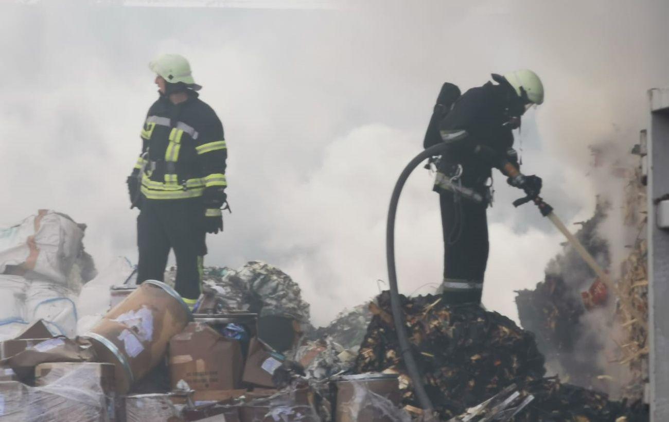 В Обухове горело утилизационное предприятие, есть пострадавшие