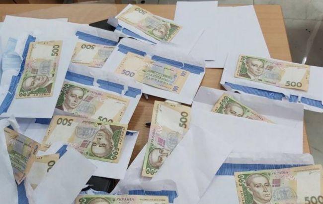 """У Києві викрили """"сітку"""" підкупу виборців"""
