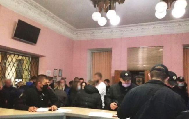В Ровно разоблачили 56 киевлян на схеме по дискредитации кандидата в мэры