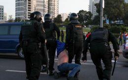 В Минске начался разгон протестующих