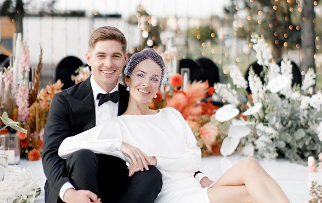 Володимир Остапчук показав подарунок, який підготував дружині до весілля