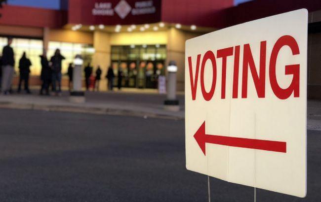 В трех ключевых штатах подсчет голосов на выборах в США может затянуться