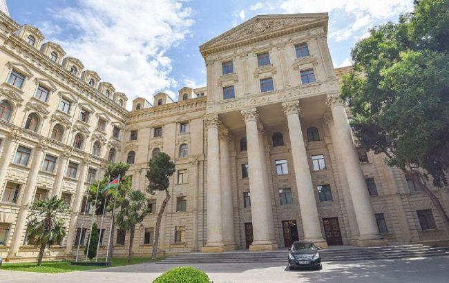 МИД Азербайджана обвинил армян в обстреле консульства в Харькове