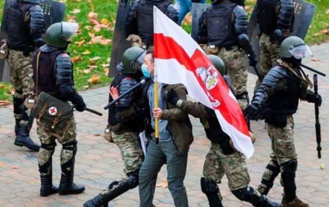 У Білорусі відкрили 900 кримінальних справ через вибори, - правозахисники