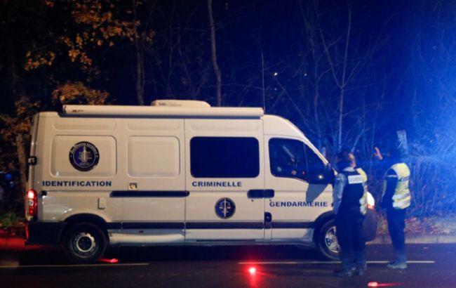 Зловмисника, що захопив заручників поблизу Парижа, знайдено мертвим