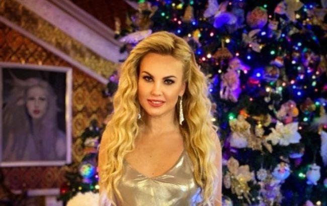Самая богатая певица украсила елку Эльфами по 1000 грн за штуку: как это выглядит (видео)