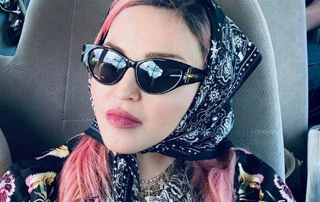 В обіймах коханого: 62-річна Мадонна засипала мережу фото з подорожі з 26-річним бойфрендом
