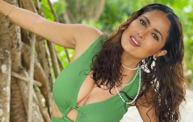 Индийская богиня: 54-летняя Сальма Хайек в соблазнительном наряде взорвала сеть идеальным телом