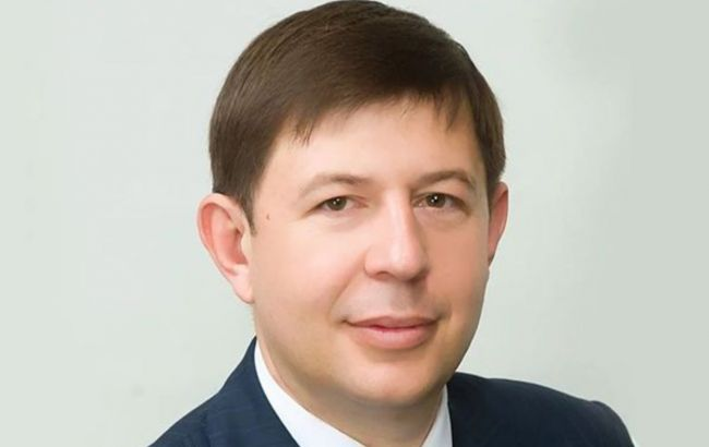 Зеленский ввел санкции против соратника Медведчука и трех телеканалов