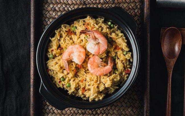 Смачний плов з креветками: рецепт святкової вечері від української топ-моделі