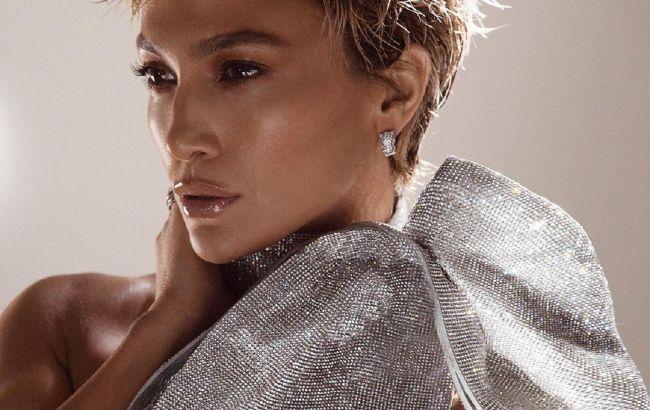 В діамантах і з короткою стрижкою: 51-річна Дженніфер Лопес вразила красою в новій зйомці