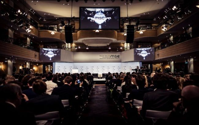 """Глава Мюнхенской конференции: ЕС окружен """"огненным кольцом"""", от Сирии до Украины"""