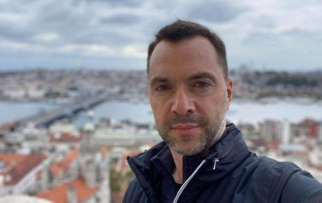 Донести позицию: Арестович объяснил выступление Кравчука на российских каналах