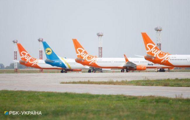 Літак з застряглими українськими туристами вилетів із Занзібару