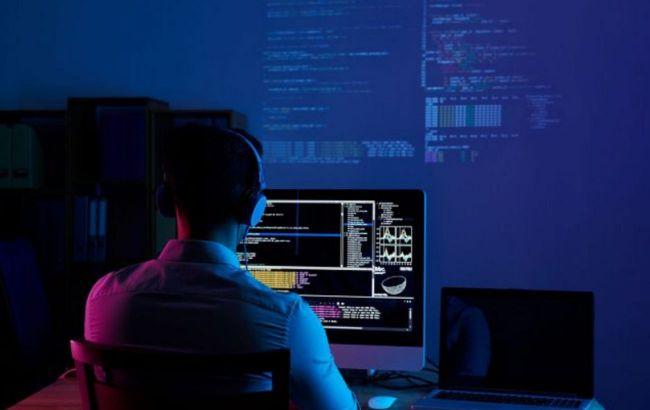 Не исключают атаку России: хакеры взломали почту главы канцелярии премьера Польши