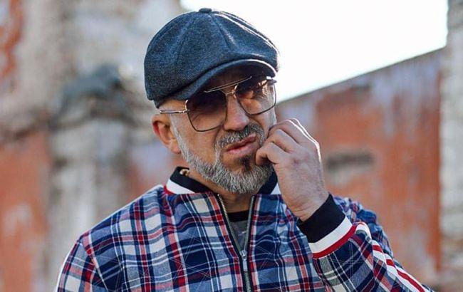 Відомий співак оголосив війну українському телеканалу: руки геть від моєї родини!