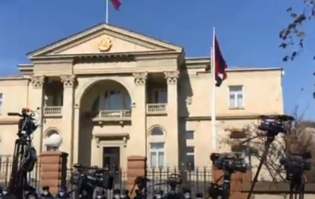 В Армении оппозиция направилась к резиденции президента