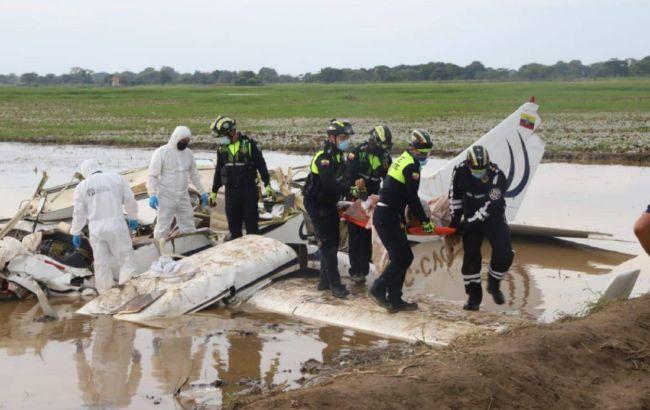 Шесть человек погибли при крушении самолета в Эквадоре