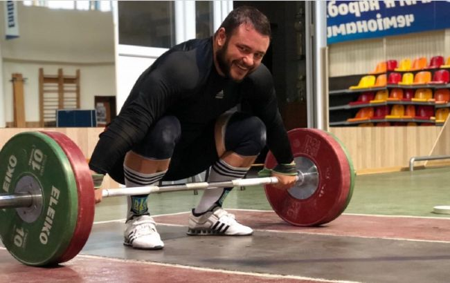 Украинский тяжеловес Чумак выиграл Чемпионат Европы в Москве