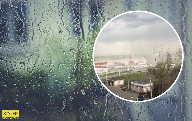На Харьков обрушился мощный ливень со шквальным ветром: видео буйства стихии